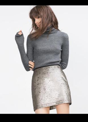 Блестящая яркая юбка в паетках