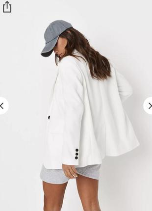 Піджак теплий білий