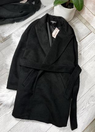 Чёрное тёплое пальто на запах