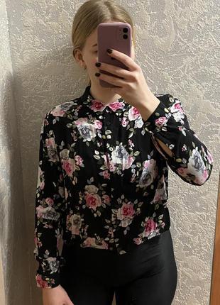 Рубашка в цветочек классной длины s-m