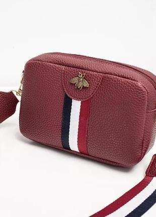 Бордовая сумочка