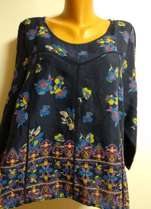 Натуральная блуза в цветах и вставками кружева кроше спереди 18/52-54 размер
