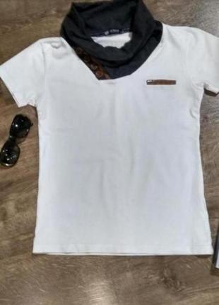 Белая футболка футболочка с серым хомутом, размер 42-44