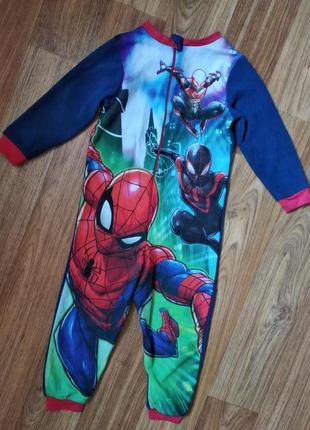 Флисовая пижама комбинезон слип человек паук на 3-4 года