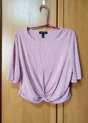 Стильная нежно-пудровая футболочка-блуза, укороченная футболка-блузка