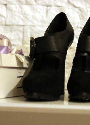 Женские туфли лодочки на высоком каблуке basconi. натуральная кожа