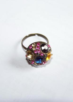 В подарок к любой покупке кольцо с хрустальными стразами регулируемое