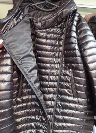 Шикарная качественная деми куртка,шикарное качество и стиль.