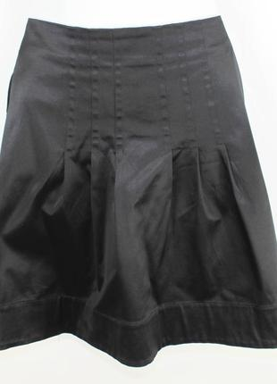 Черная юбка из стрейч-атласа
