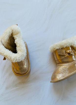 Primark новые классные ботиночки и на девочку  6-9 мес  (дл  11 см )