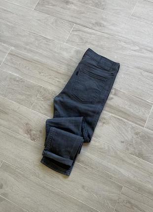 Серые штаны levi's серые джинсы levi's