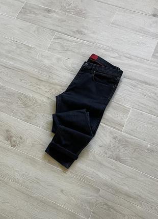 Чёрные штаны hugo boss джинсы hugo boss зауженные джинсы hugo boss