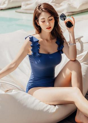 Красивый синий сдельный купальник с чашками 💙