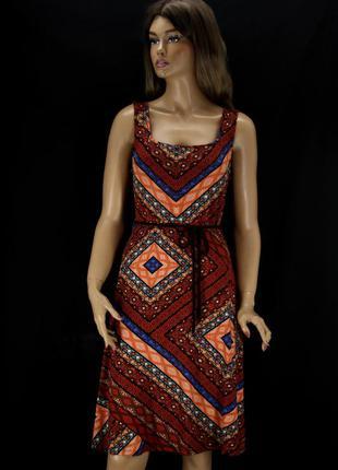 Брендовое вискозное платье tu с принтом. размер uk12.