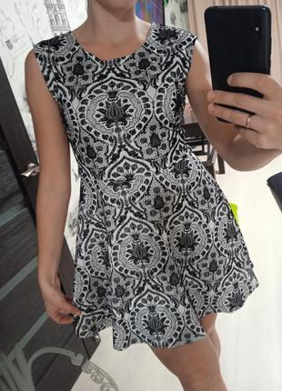 Красивое черное белое платье, бархат арнамент