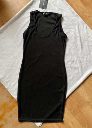 Новое платье чёрное в рубчик обтягивающее
