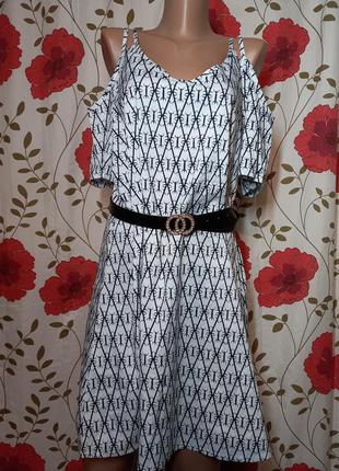 Нове плаття з відкритими плечами  по бірці ххл хххл ( маломірить ) пог 55.5 см довжина 93