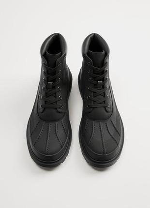 Zara ботинки новые  мужские сделаны из прорезиненой ткани и функциональной cordura