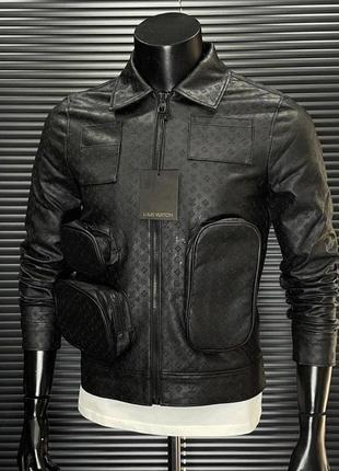 Мужская брендовая кожанка черного цвета