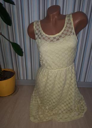 Кружевное лёгкое платье