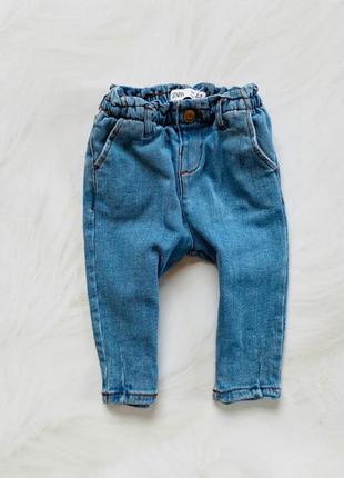 Zara стильные  джинсы  на девочку  6-9 мес