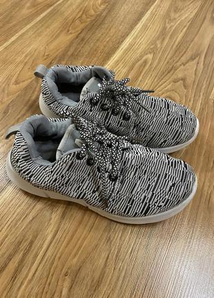 Кросівки , кроссовки