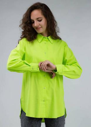 Салатовая рубашка свободного фасона