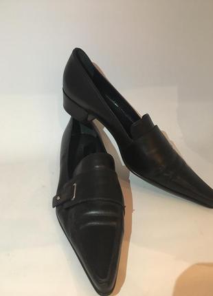Оригинал sergio rossi новые чёрные туфли с острыми носками на низком