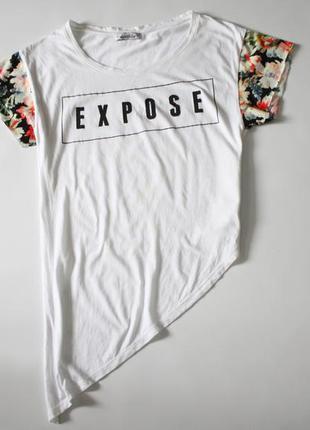 Белая футболка с надписью и принтом