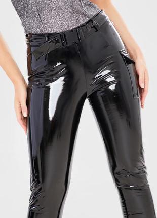Naanaa. товар из англии. виниловые брюки с поясом.