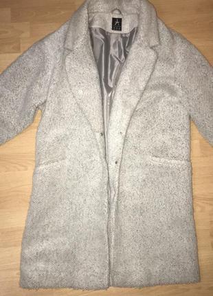 Пальто оверсайз 😍🎀 очень стильное !