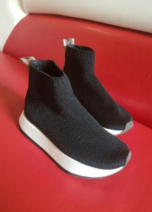 Кросівки для стильняшки