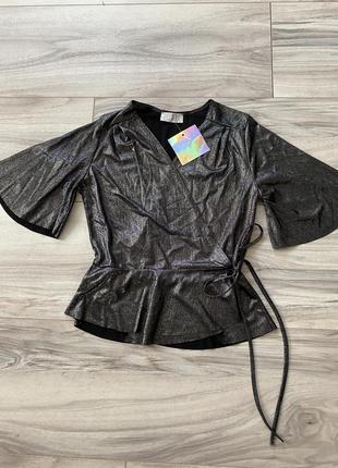 Крутая сияющая блуза