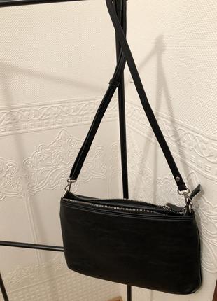 Продам черную сумку parfois