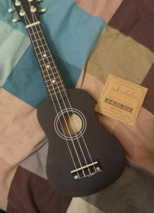 Мини гитара окулелле
