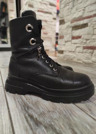 Zara кожаные,зимние ботинки