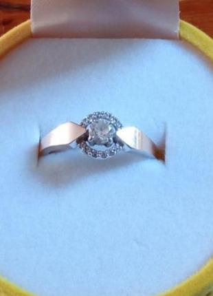 Серебряное кольцо 925° с пластиной золота  17р. , 2.4 г.