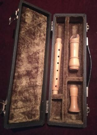 Флейта с футляром. швейцария.