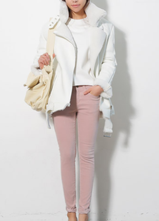Розовые джинсы скинни bershka