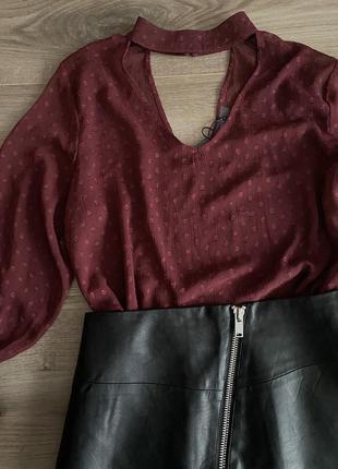 Нарядная красивая блуза