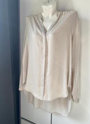 Блуза бежевого цвета под шелк удлинённая по спинке от h&m