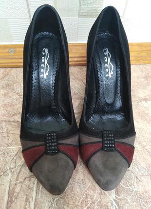 Туфли замшевые gotti,  средний устойчивый каблук