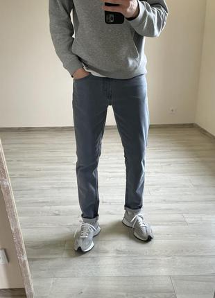 Серые джинсы levi's серые штаны levi's зауженные джинсы levi's 511 зауженные штаны levi's