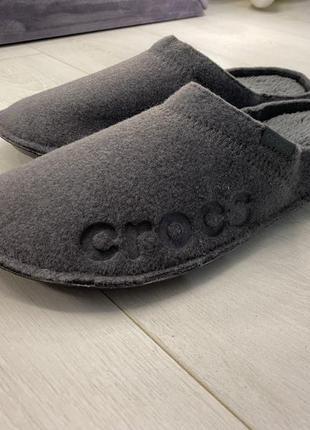 Тёплые домашние тапочки crocs baya slipper