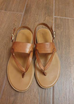 Zara чоловічі сандалі
