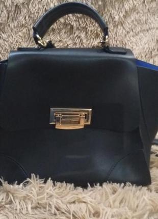 Красивая сумка черного цвета с ушками