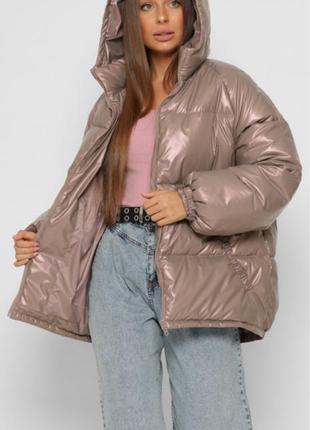 Куртка пуховик зимняя женская оверсайз с капюшоном лаковая плащевка пудра ls-8887-25