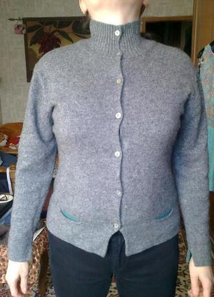 70%шерсть, свитер кофта woolmark (не колючая)