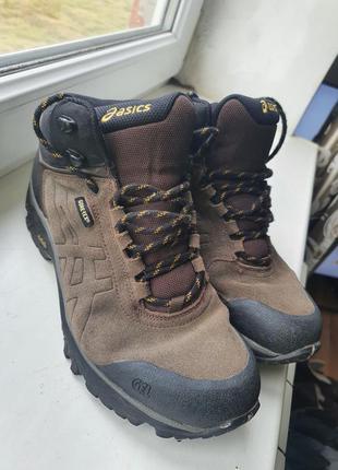 Черевики кросівки asics gore-tex 41розмір