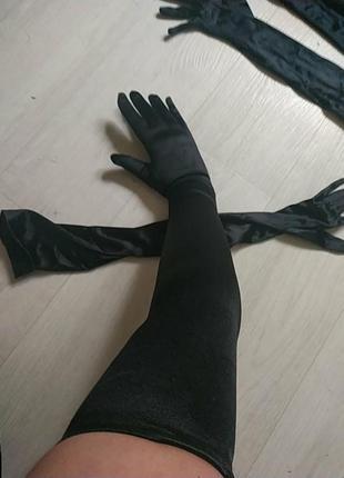 Высокие длинные перчатки выше локтя из стрейч атласа